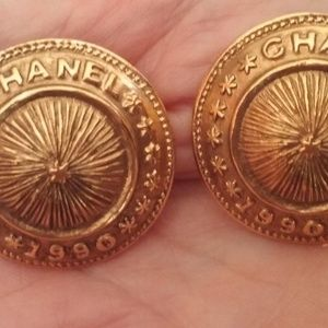 Chanel Vintage 1990 Button Earings